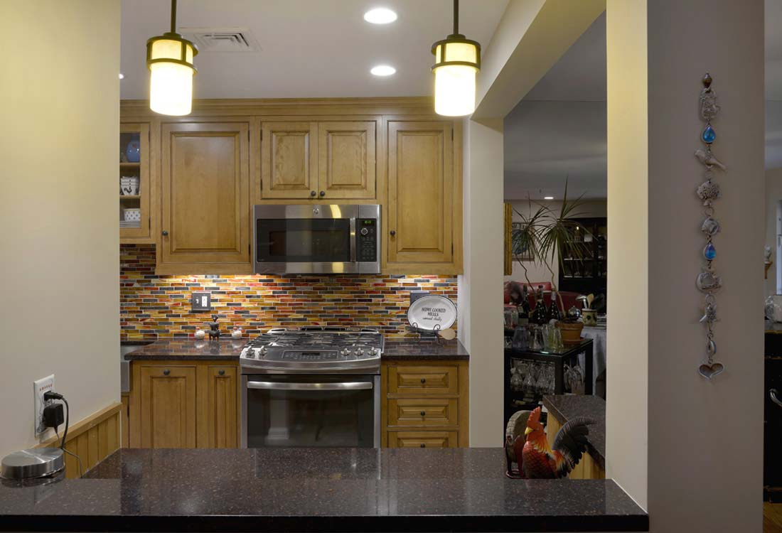 Kitchens design photo gallery deluxe home design for Kitchen design consultants